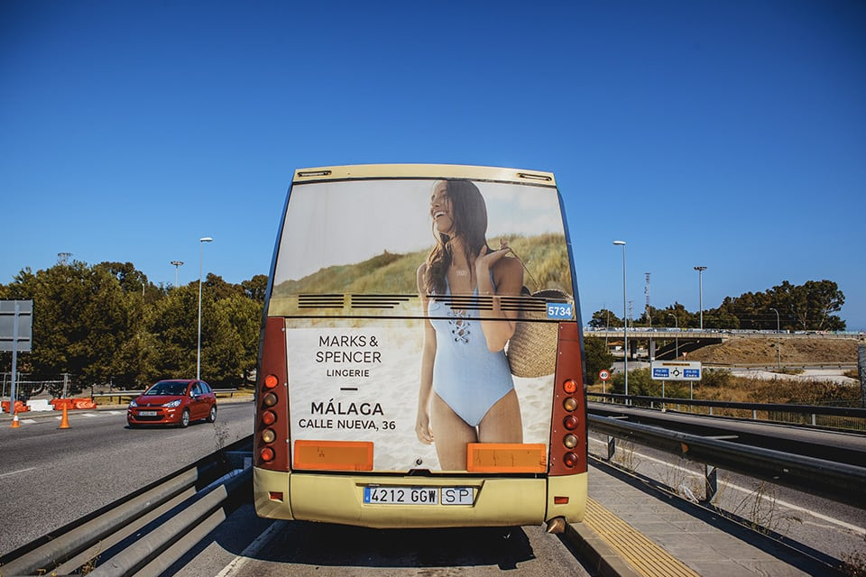 Campaña de autobuses publicitarios marks and spencer