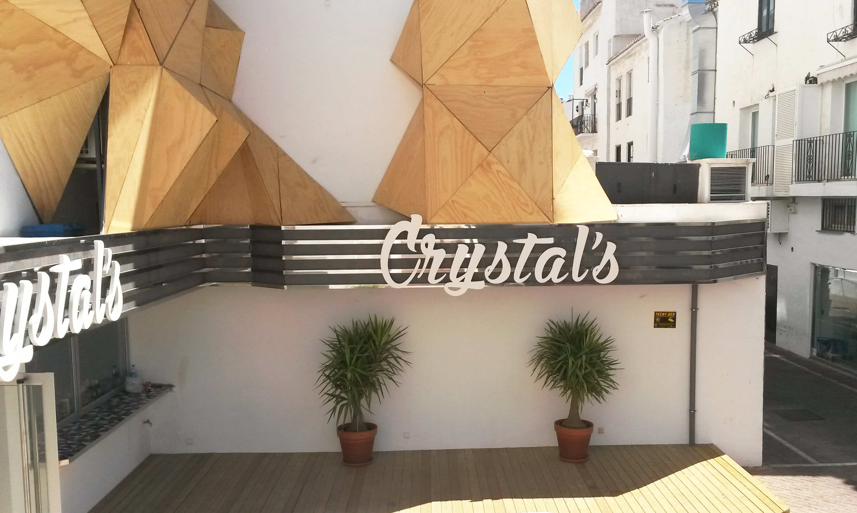 Design and manufacture of Crystal's signs in Puerto Banús