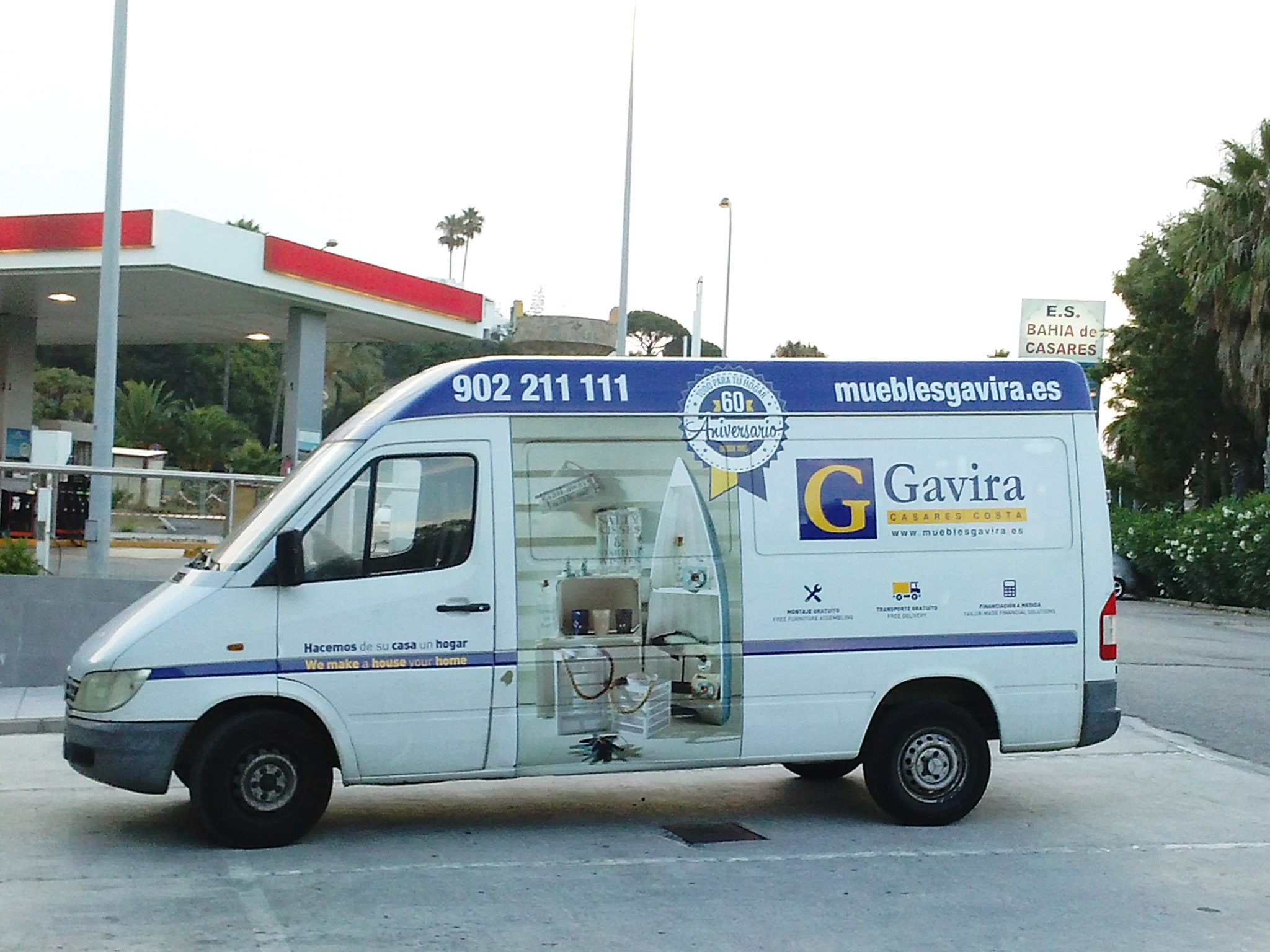 Car wrapping design for Muebles Gavira