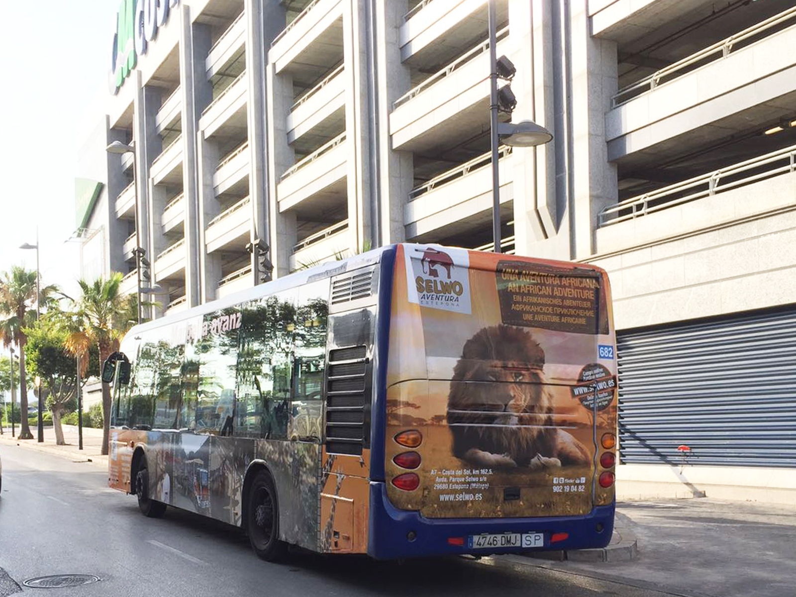 Advertising bus campaign for Selwo Aventura