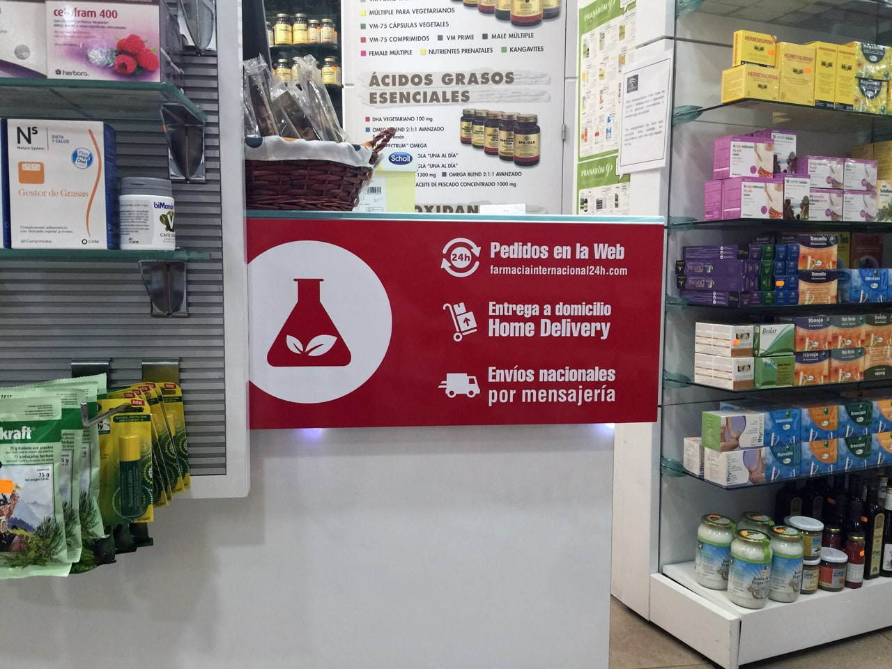 Signs and labels design for Farmacia Internacional