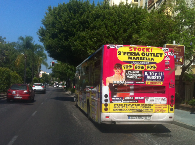 Bus advertising for the 2nd marbella outlet fair for Outlet del design