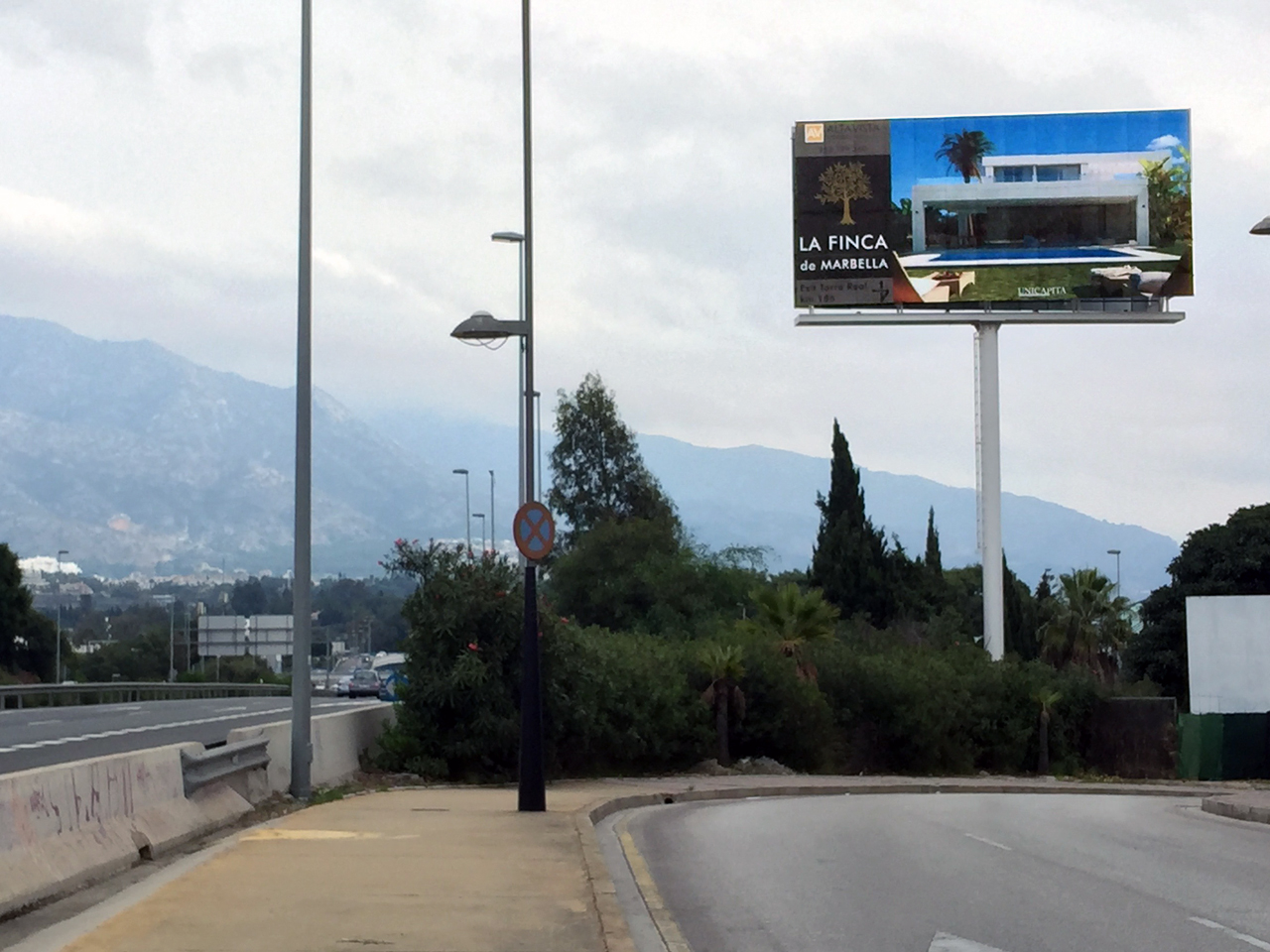 Premium billboard in Puerto Banús for Altavista Properties